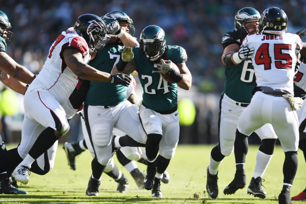 Nov 13, 2016; Philadelphia, PA, USA; Philadelphia Eagles running back Ryan Mathews (24) carries the ball in the first quarter against the Atlanta Falcons at Lincoln Financial Field. Philadelphia defeated Atlanta 24-15.  Mandatory Credit: James Lang-USA TODAY Sports