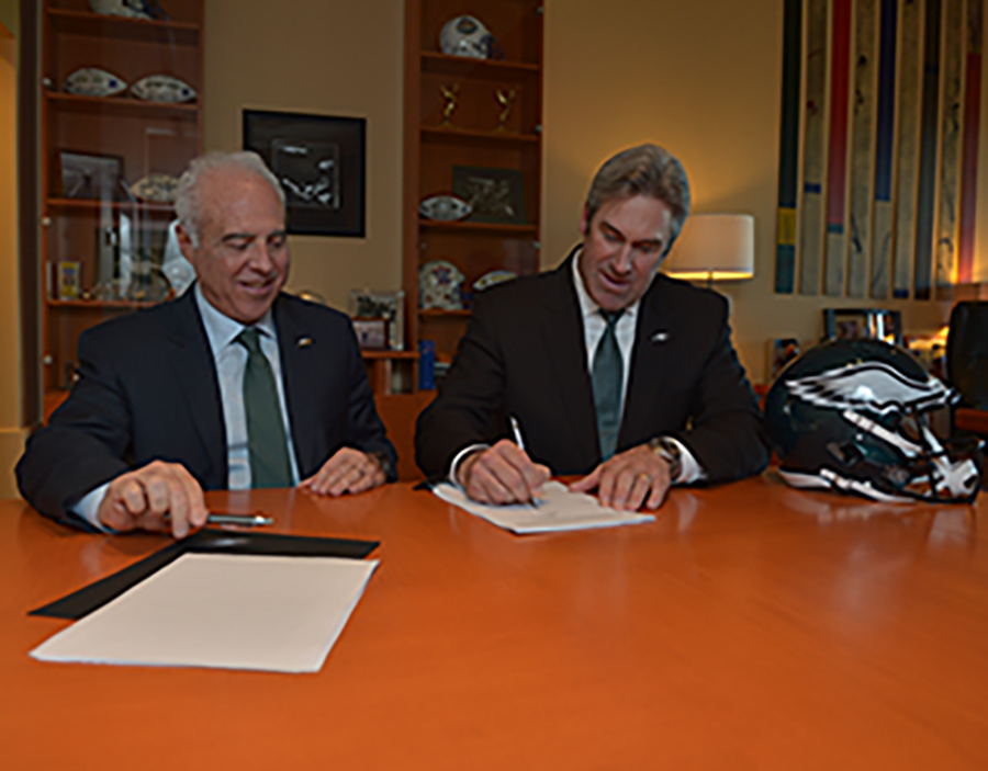 PHILADELPHIA, PA - JANUARY 19: Jeffrey Lurie and Doug Pederson of the Philadelphia Eagles at the NovaCare Complex on January 19, 2016 in Philadelphia, Pennsylvania. (Photo by Drew Hallowell/Philadelphia Eagles)