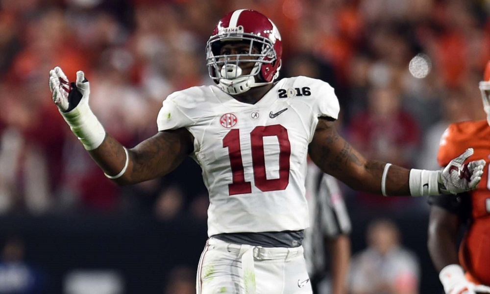 Jan 11, 2016; Glendale, AZ, USA; Alabama Crimson Tide linebacker Reuben Foster (10) reacts to a pass interference called against him during the first quarter against the Clemson Tigers in the 2016 CFP National Championship at University of Phoenix Stadium. Mandatory Credit: Joe Camporeale-USA TODAY Sports