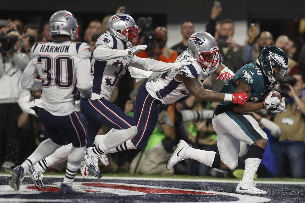 10077001_web1_eagles-patriots-super-bowl-football_3638619