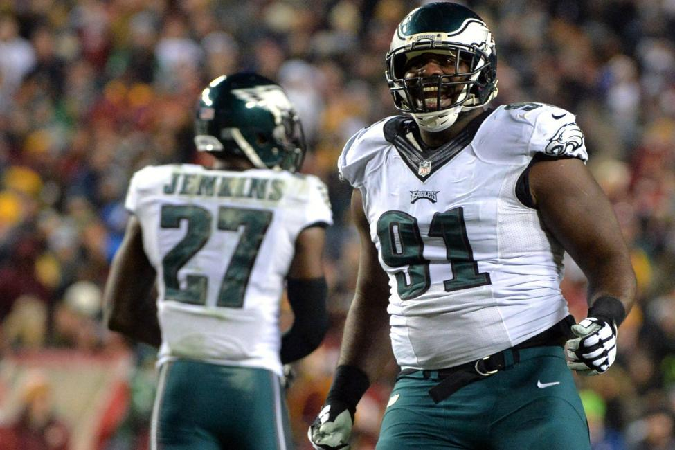 NFL-reviewing-hit-from-Eagles-Fletcher-Cox-on-49ers-Joe-Staley
