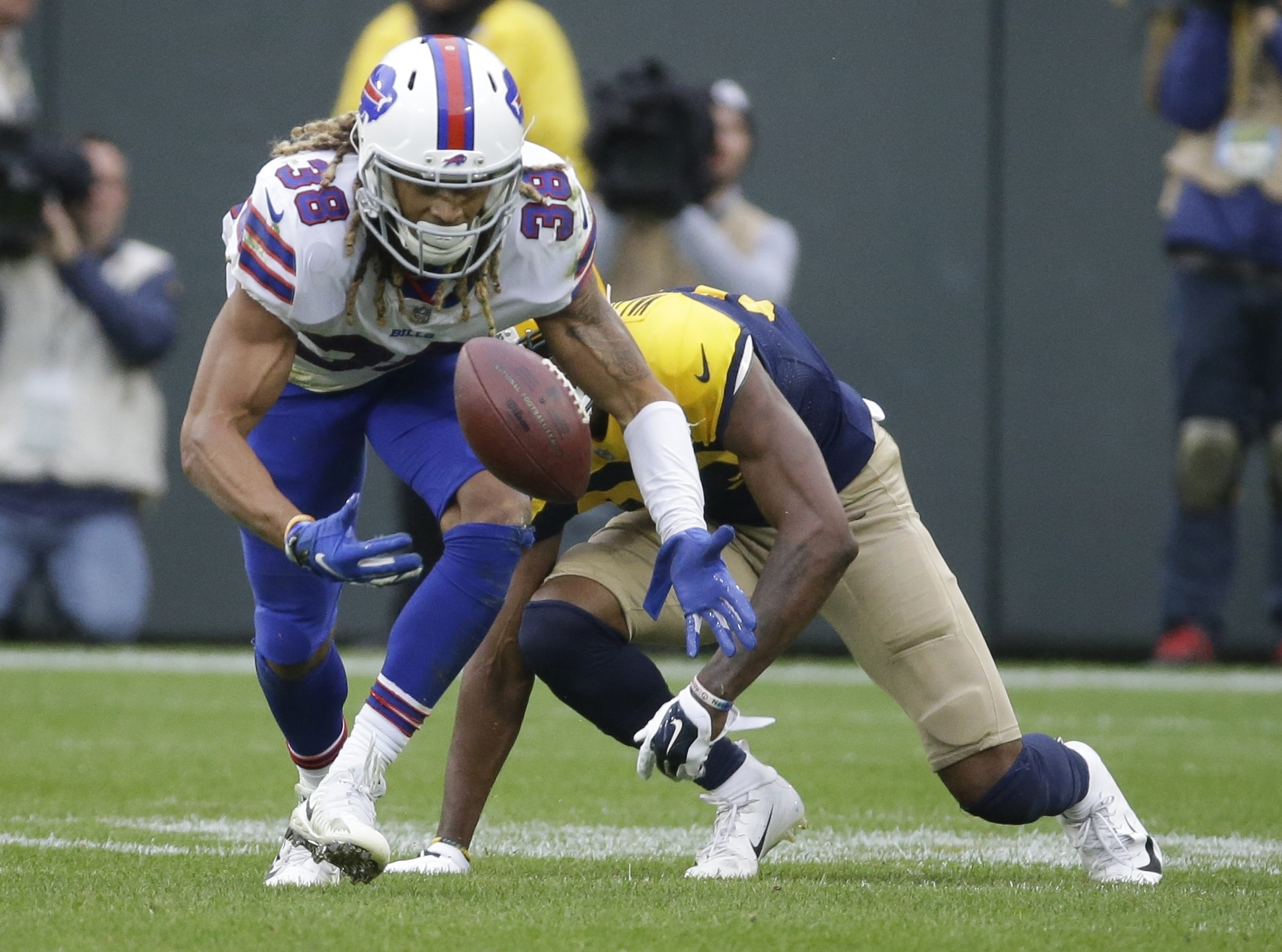 Buffalo Bills' Ryan Lewis breaks up a pass intended for Green Bay Packers' Marquez Valdes-Scantling during the second half of an NFL football game Sunday, Sept. 30, 2018, in Green Bay, Wis. (AP Photo/Mike Roemer)