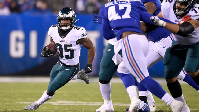 EAST RUTHERFORD, NEW JERSEY - DECEMBER 29: Boston Scott #35 of the Philadelphia Eagles runs the ball against the New York Giants during the second quarter in the game at MetLife Stadium on December 29, 2019 in East Rutherford, New Jersey. (Photo by Sarah Stier/Getty Images)